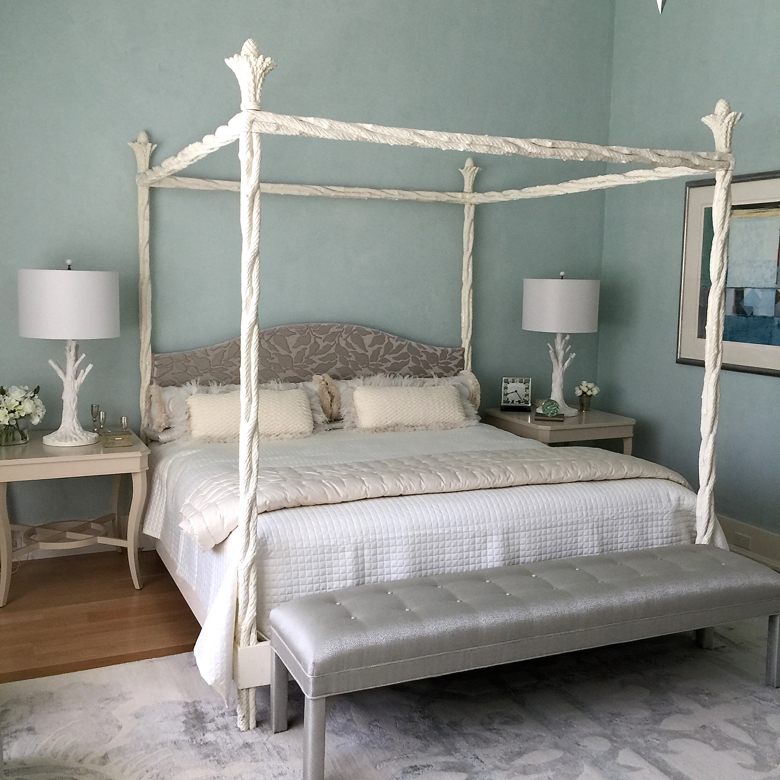 Interior design by Hagins & Mortimer. Bed by Karl Springer. Photograph by Lynn Byrne