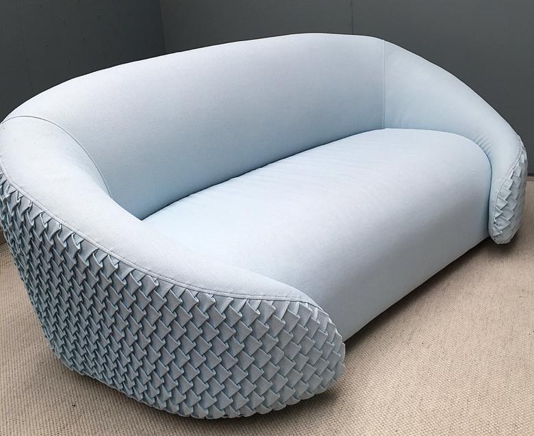 Look me up domino sofa