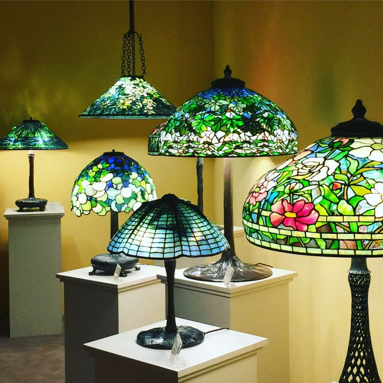 international show tiffany lamps