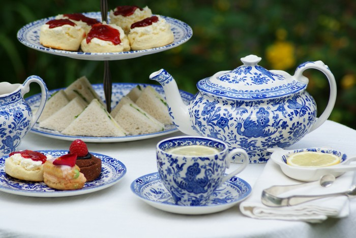 design-dictionary Burleigh-tea-service-700x469