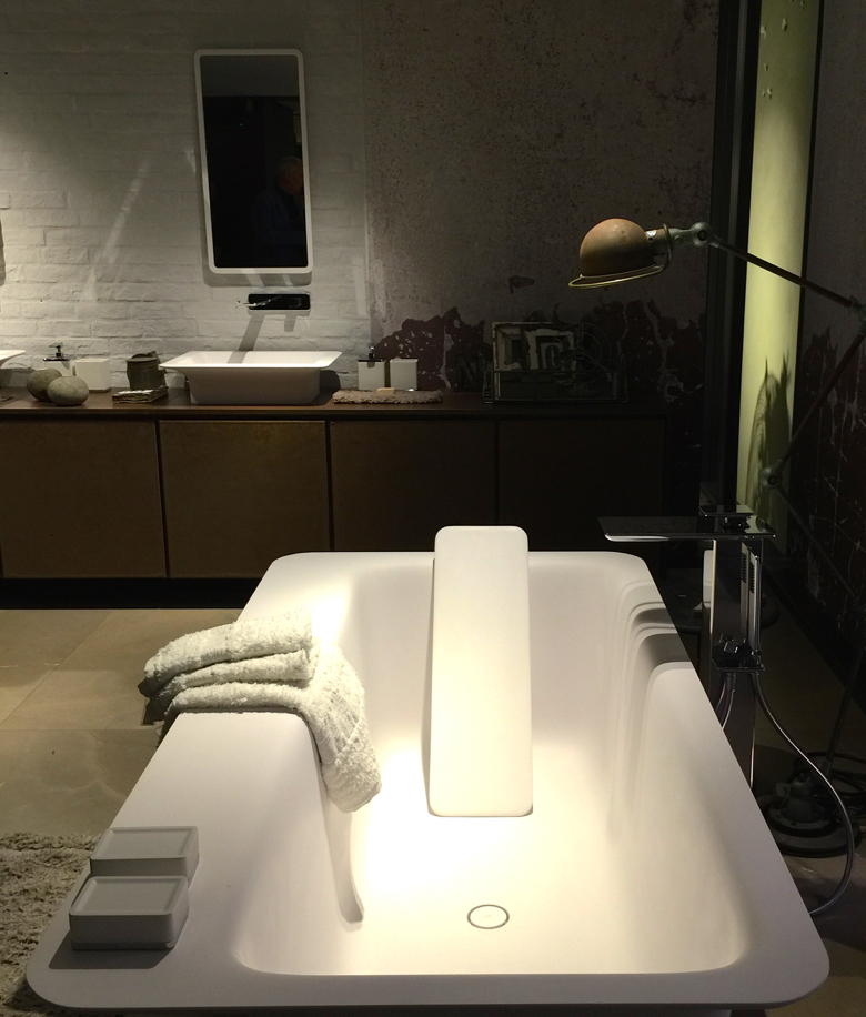 gessi-back support tub