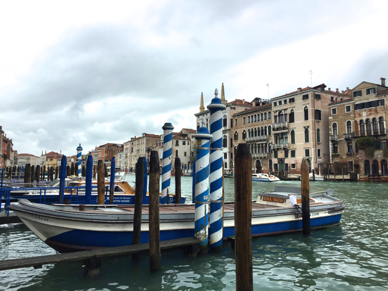 venice-boats and pillars