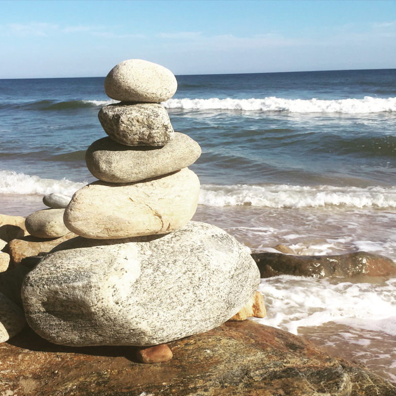 montauk guide- ocean and rocks