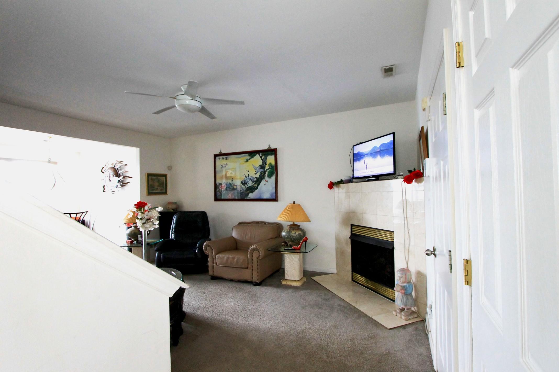 3 (Living room).jpg