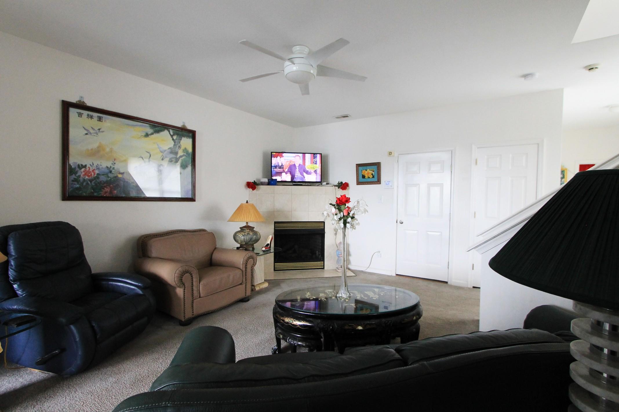 5 (Living room) .jpg