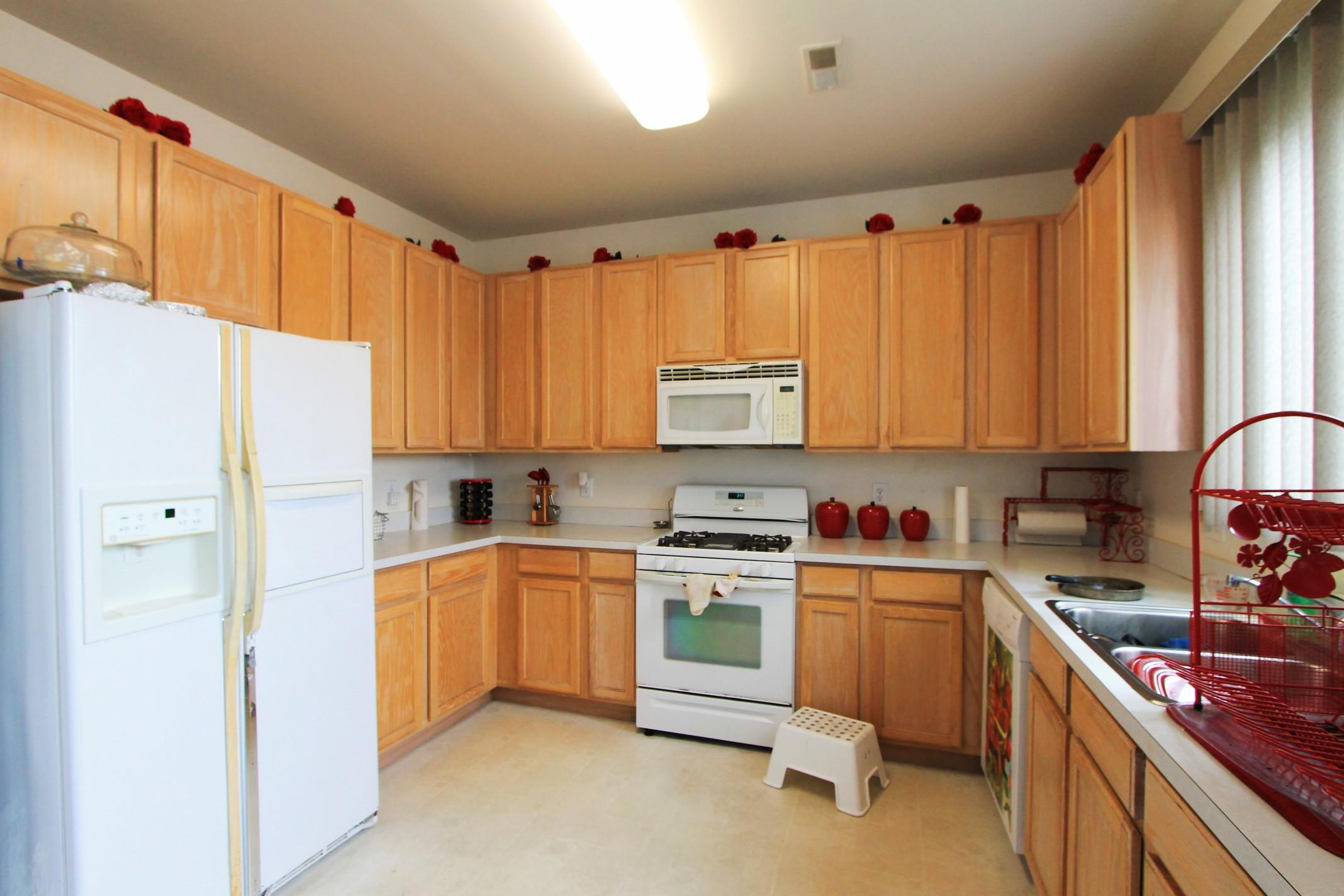 13 (Kitchen).jpg