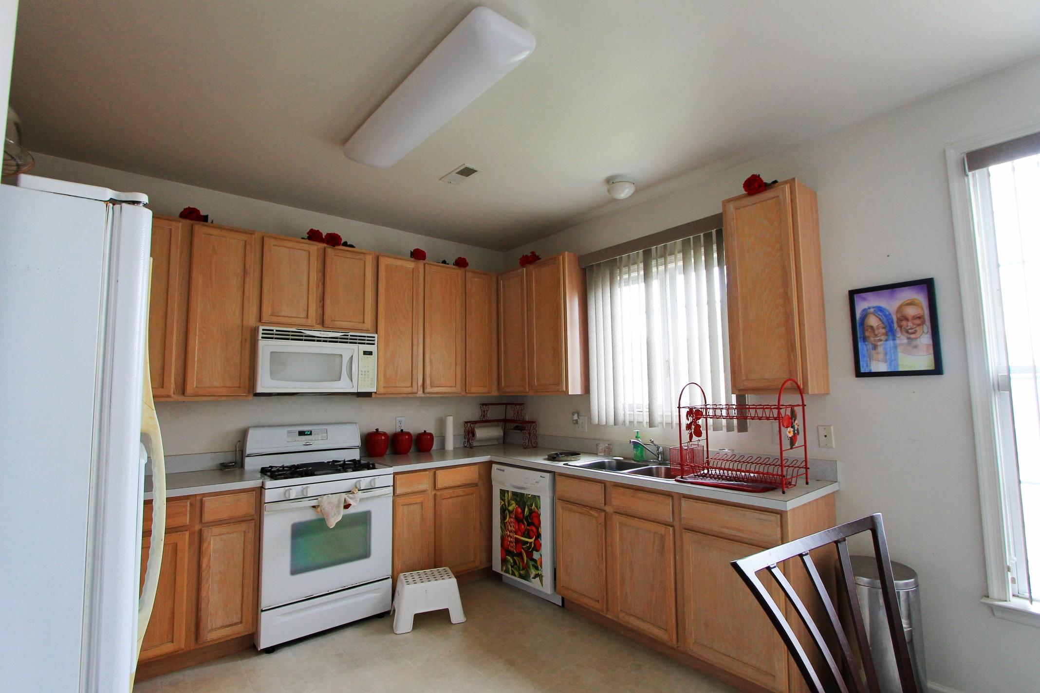 16 (Kitchen 2).jpg