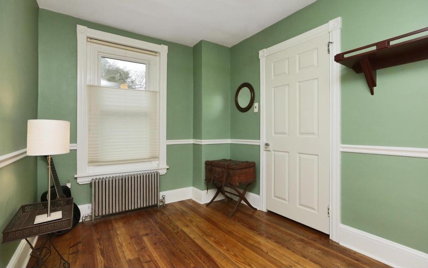 lawnton bedroom 5.jpeg