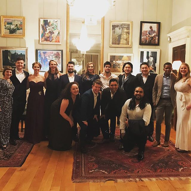 Last night we all scrubbed up and had a total ball at Bob Boas house for our meet the 19/20 @nationaloperastudio artists recital! It was a really special evening spend with this group of handsome people, in such a special venue! Thanks guys!  #nationaloperastudio #opera #gala #recital #operasingersofinstagram