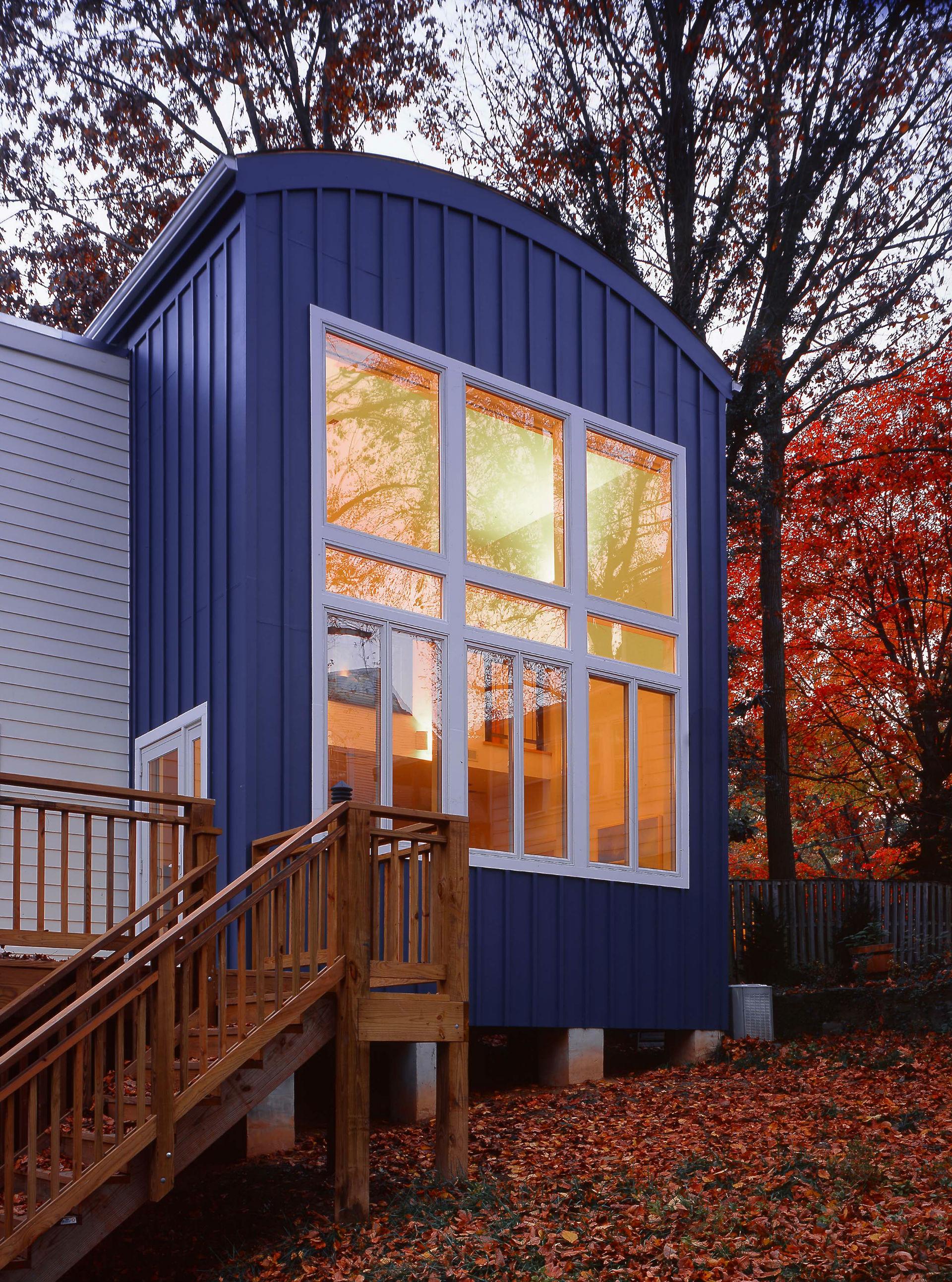 blue_sky_house_01.jpg