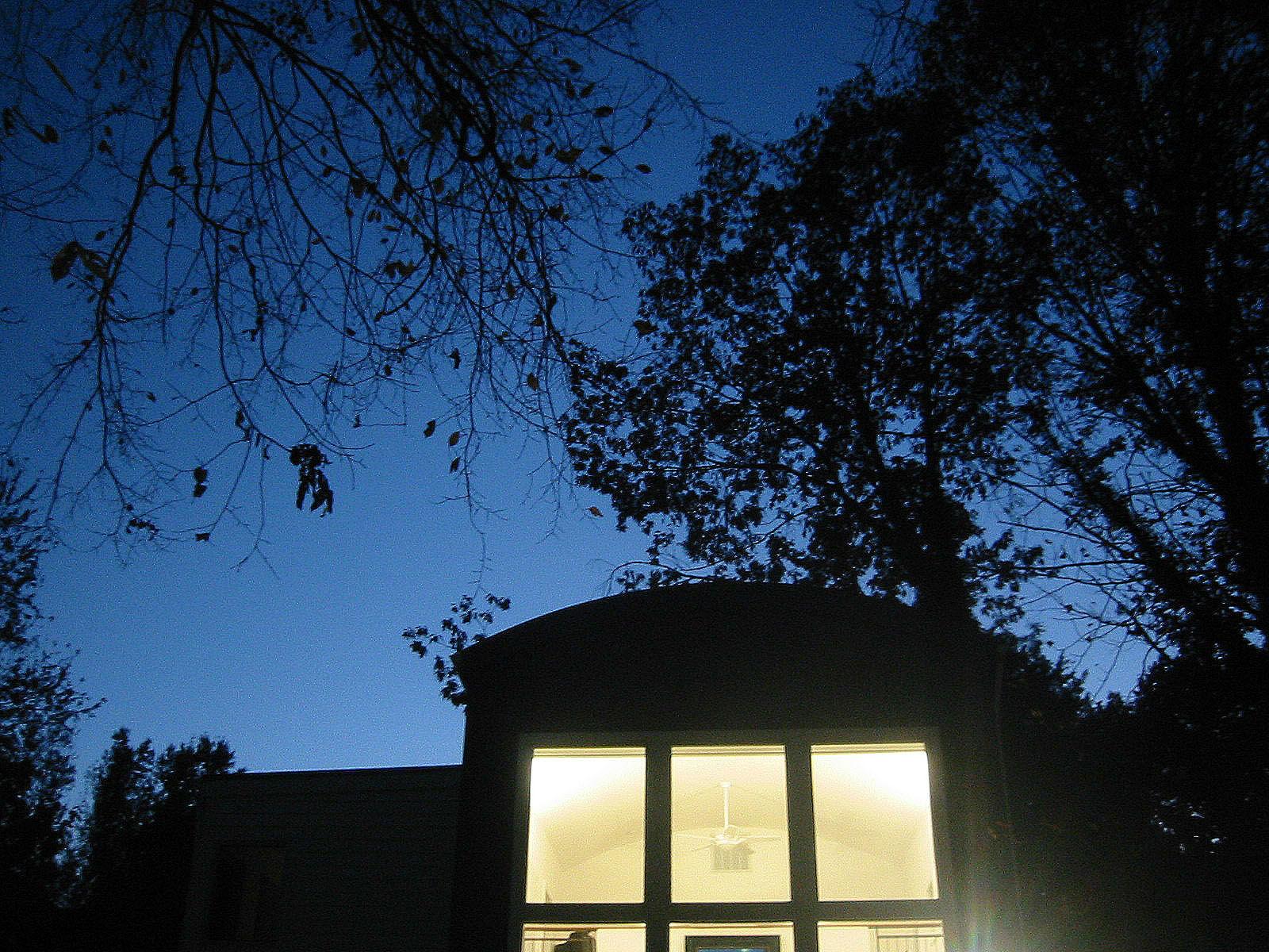 blue_sky_house_07.jpg