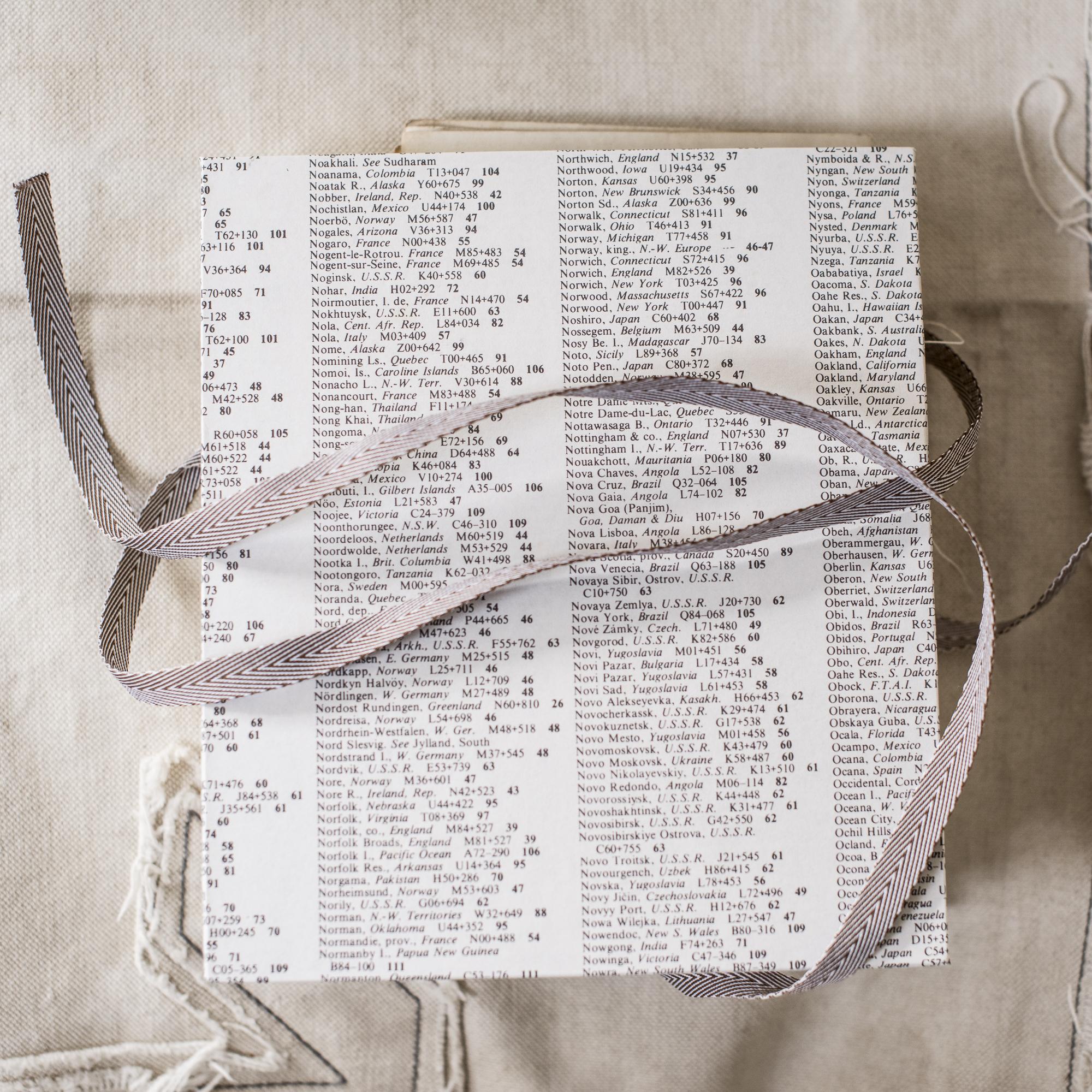 A Collectors compendium-1673-2.jpg