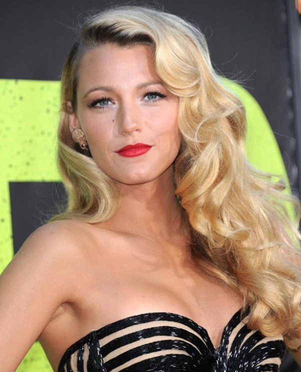 - WARM undertone, like Blake Lively:Reds that will look best on you include:Orange-Reds (best for summer when your skin in tanned)Deep Blue Reds (best for winter)