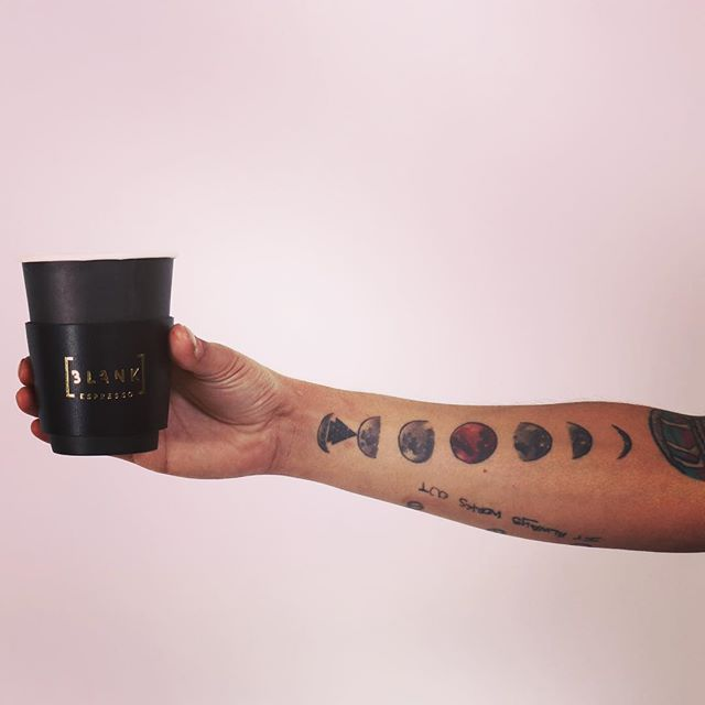 Fix . . . . . . . . . . 📸: @defecreative x @blankespresso #coffee #latteart #barista #baristababes #baristaswag #thetrendybarista #baristadaily #friyayvibes #vybes #leather #gear #reusable #sleevelife #gold #blankespresso #moon #moontattoo #guyswithtattoos #gayswithtattoos #tattedgay #weekend #fashion #style #wastenotwantnot #exclusive #boybye #yas
