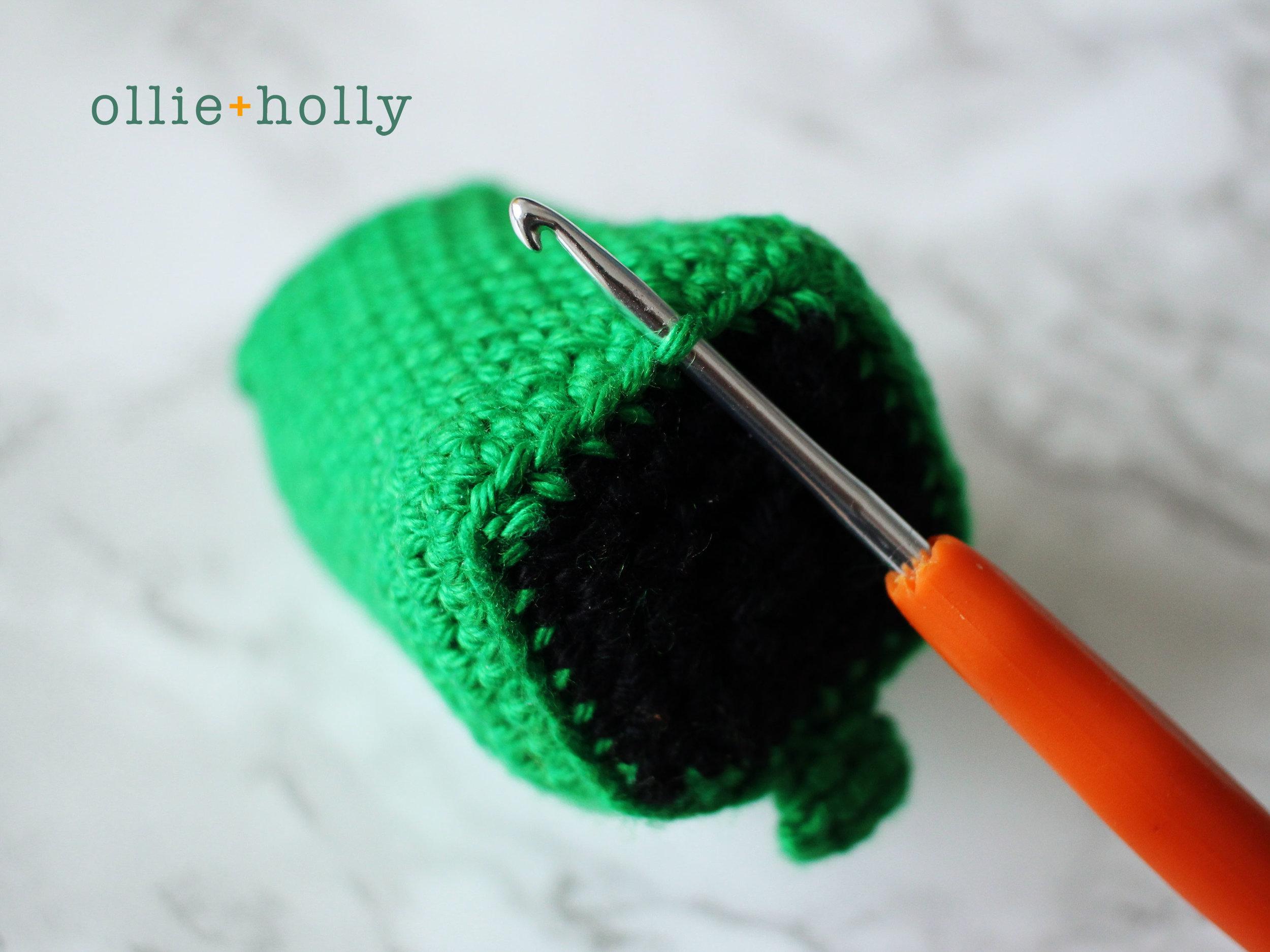 Toronto Green Bin Amigurumi Crochet Pattern Step 1