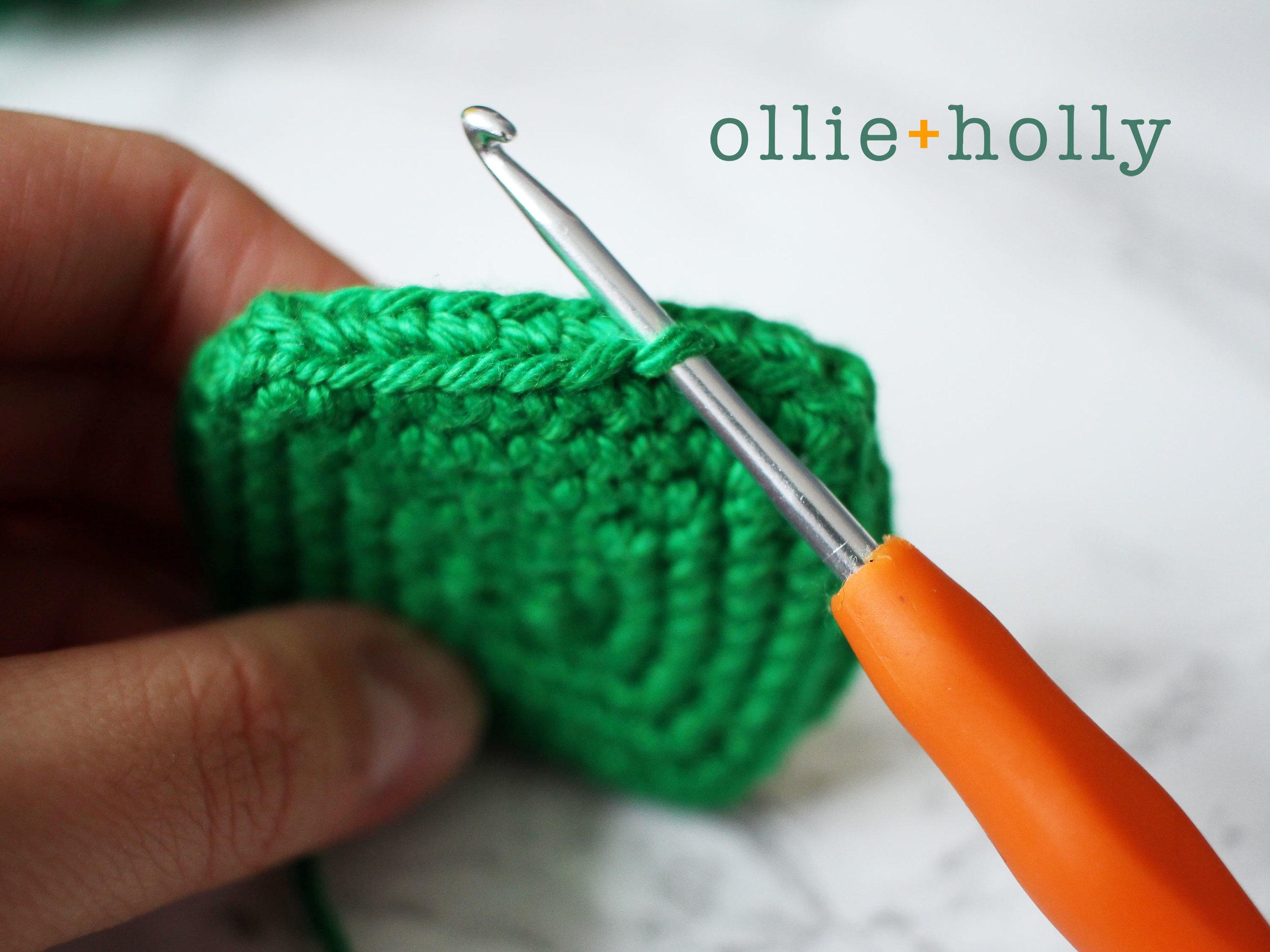Toronto Green Bin Amigurumi Crochet Pattern Step 4