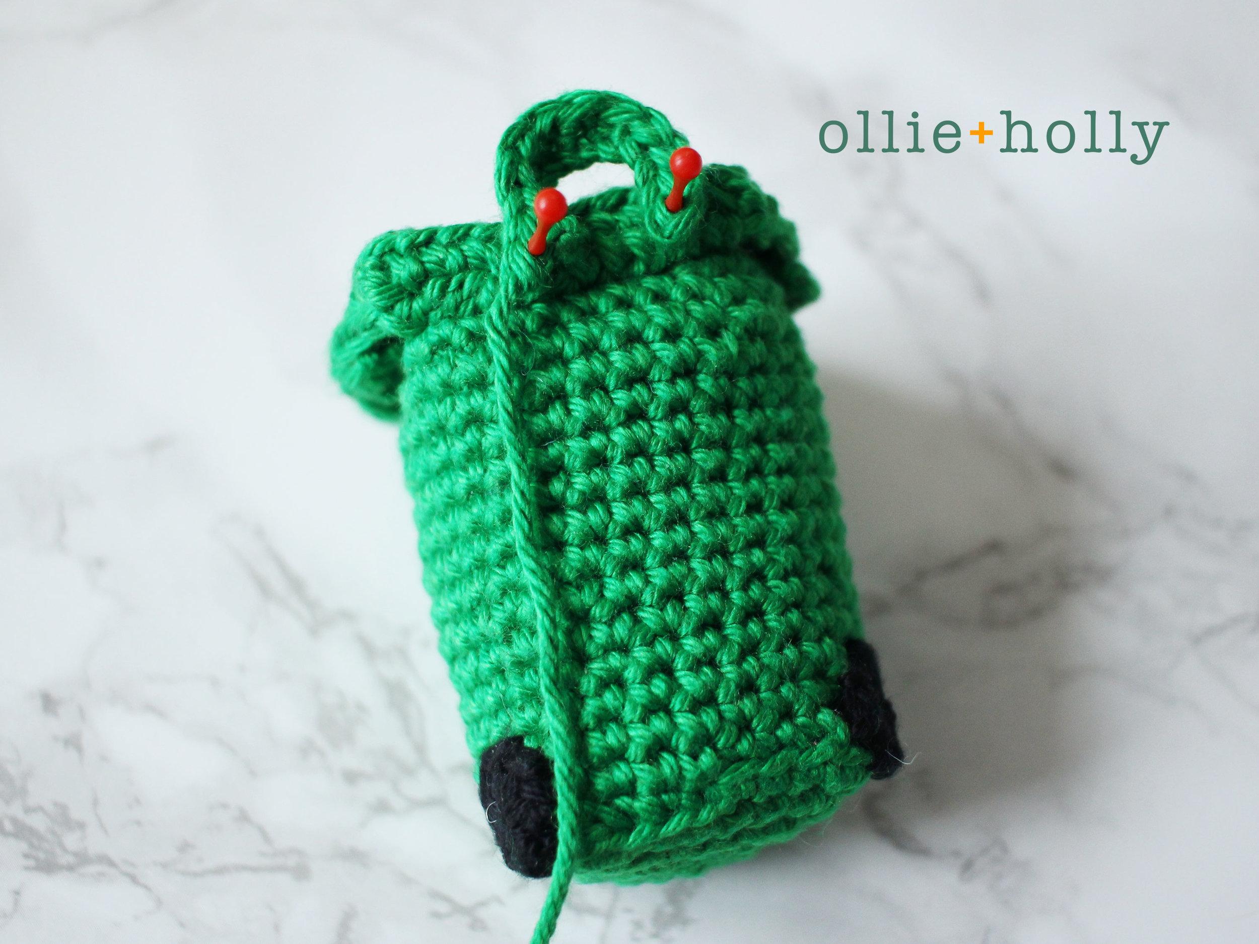 Free Toronto Green Bin Amigurumi Crochet Pattern Step 8