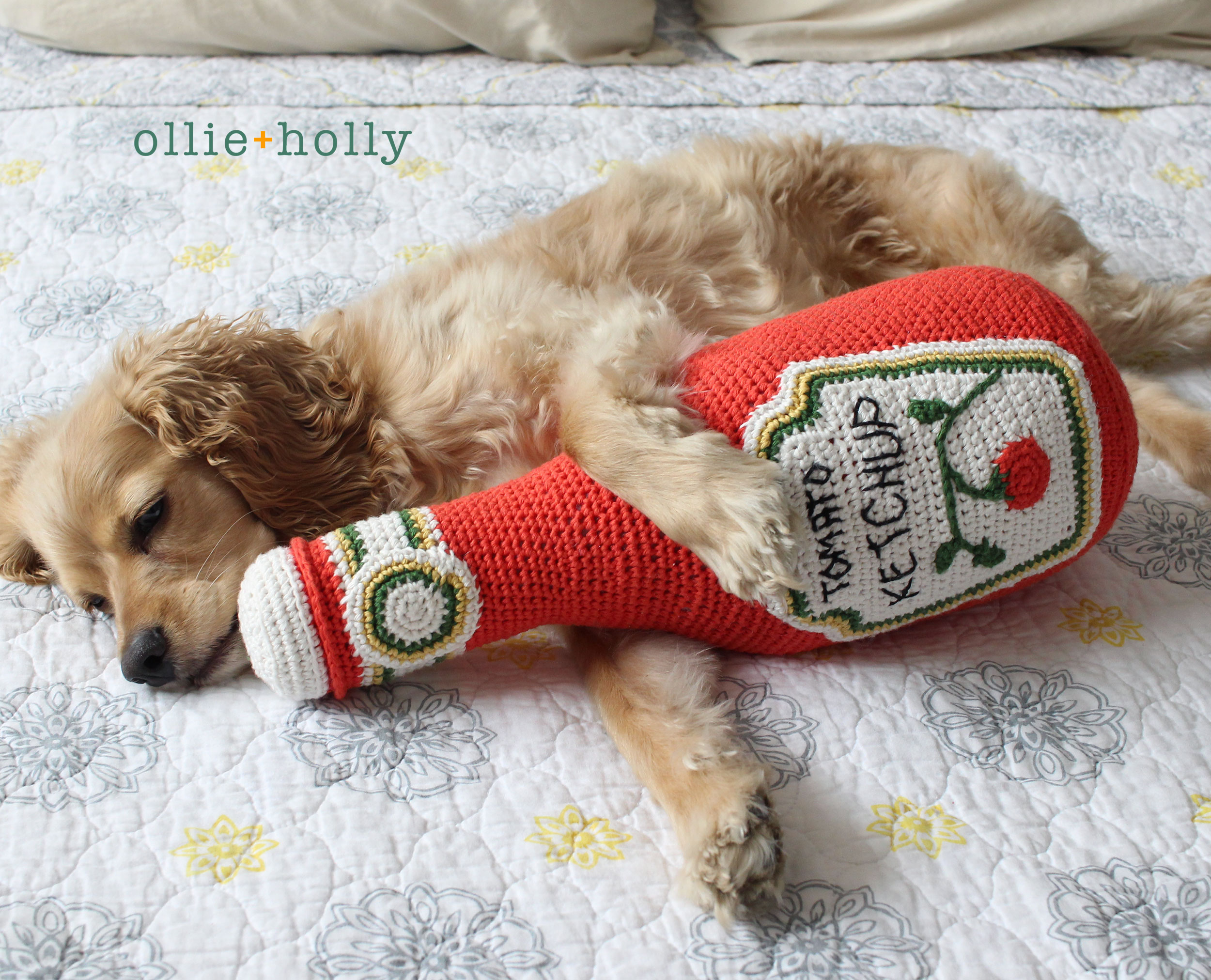 Free Ketchup Bottle Amigurumi Crochet Pattern with Ollie