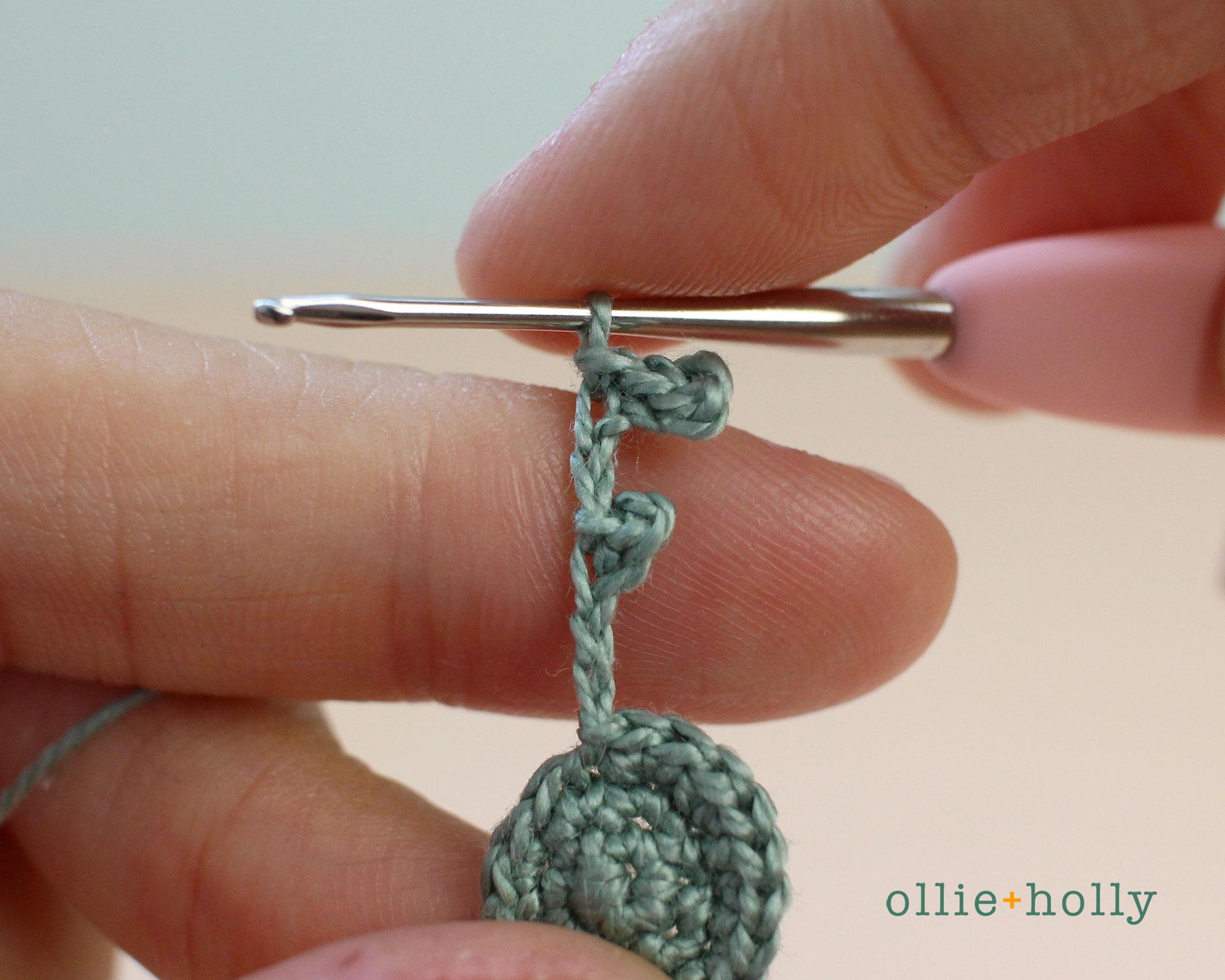 Free Blue Thistle Flowers Crochet Pattern Step 9