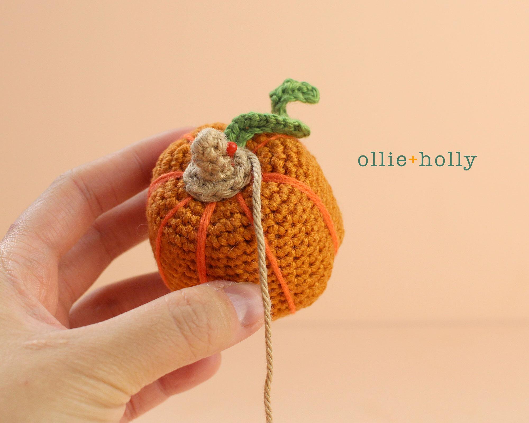 Free Jack-o'-Lantern Pumpkin Ornament Amigurumi Crochet Pattern Step 8