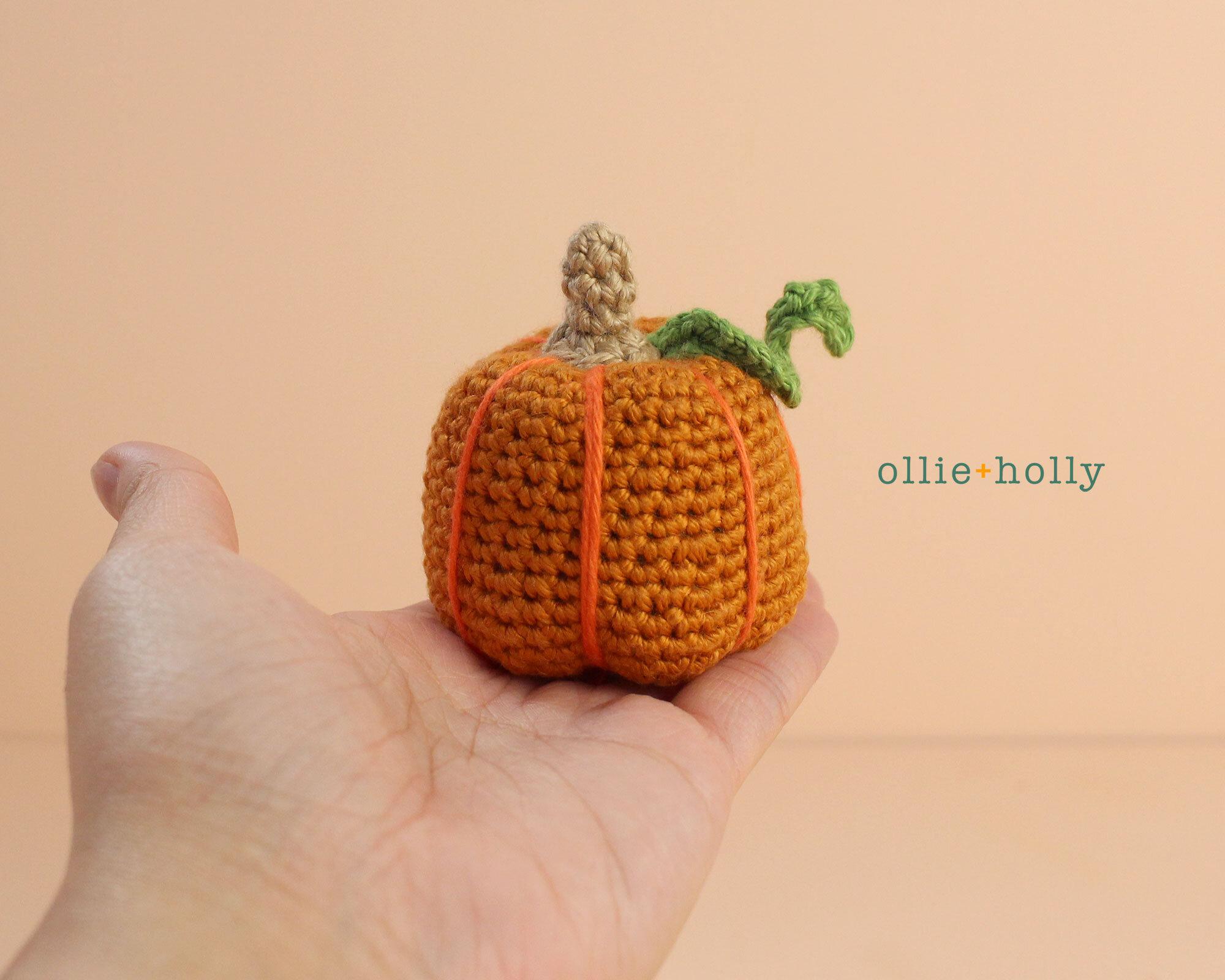 Free Jack-o'-Lantern Pumpkin Ornament Amigurumi Crochet Pattern Step 9
