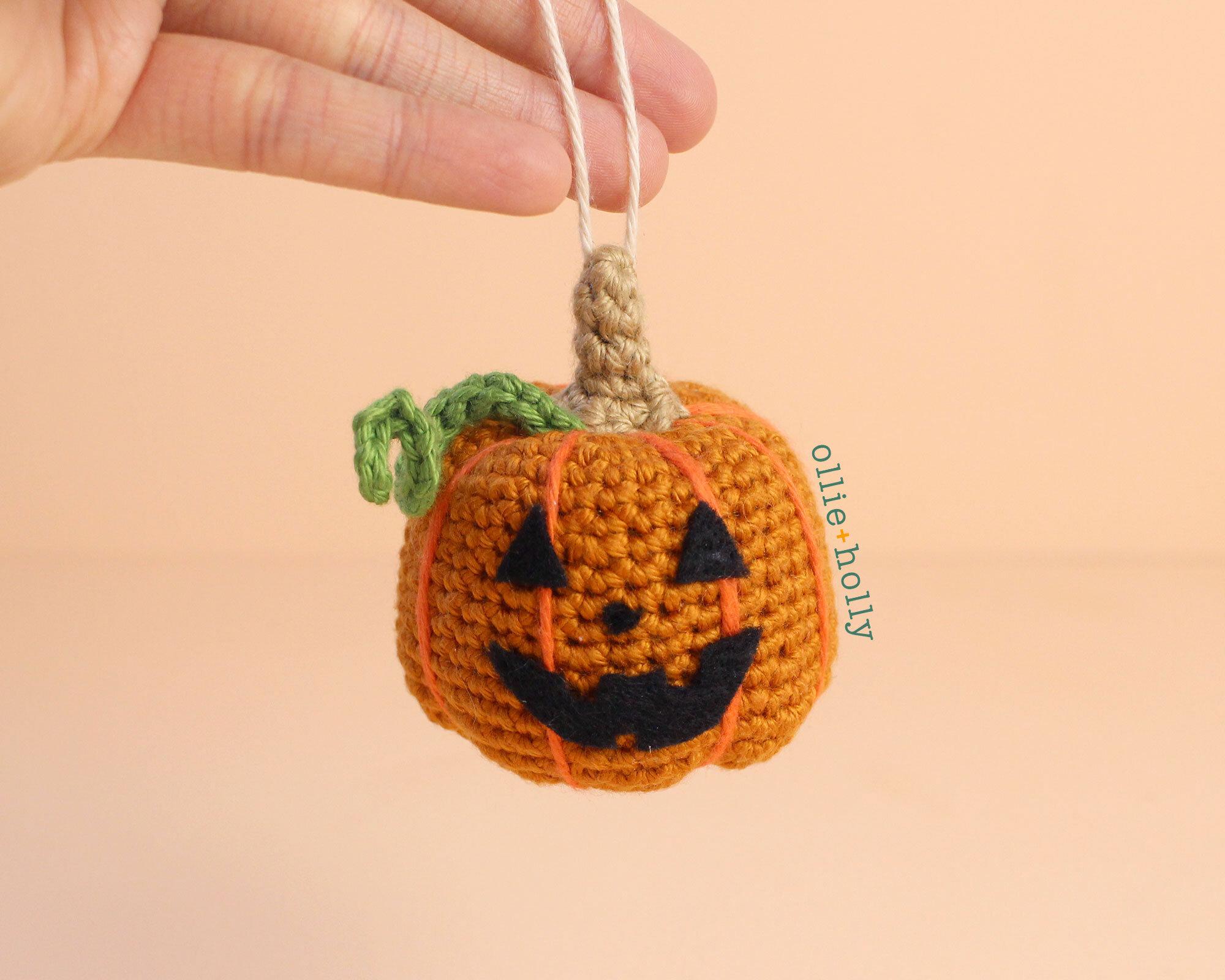 Free Jack-o'-Lantern Pumpkin Ornament Amigurumi Crochet Pattern Complete