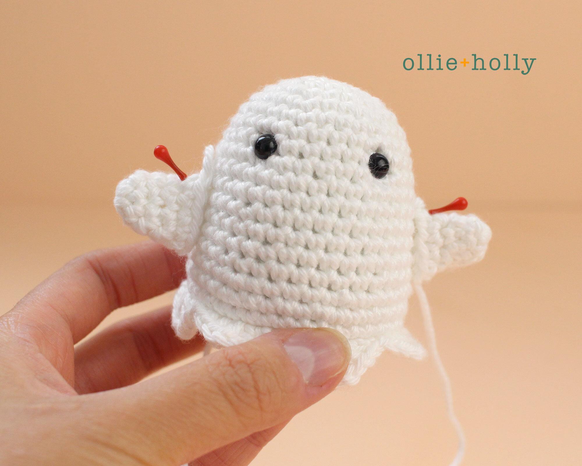 Free Halloween Ghost Ornament Amigurumi Crochet Pattern Step 5