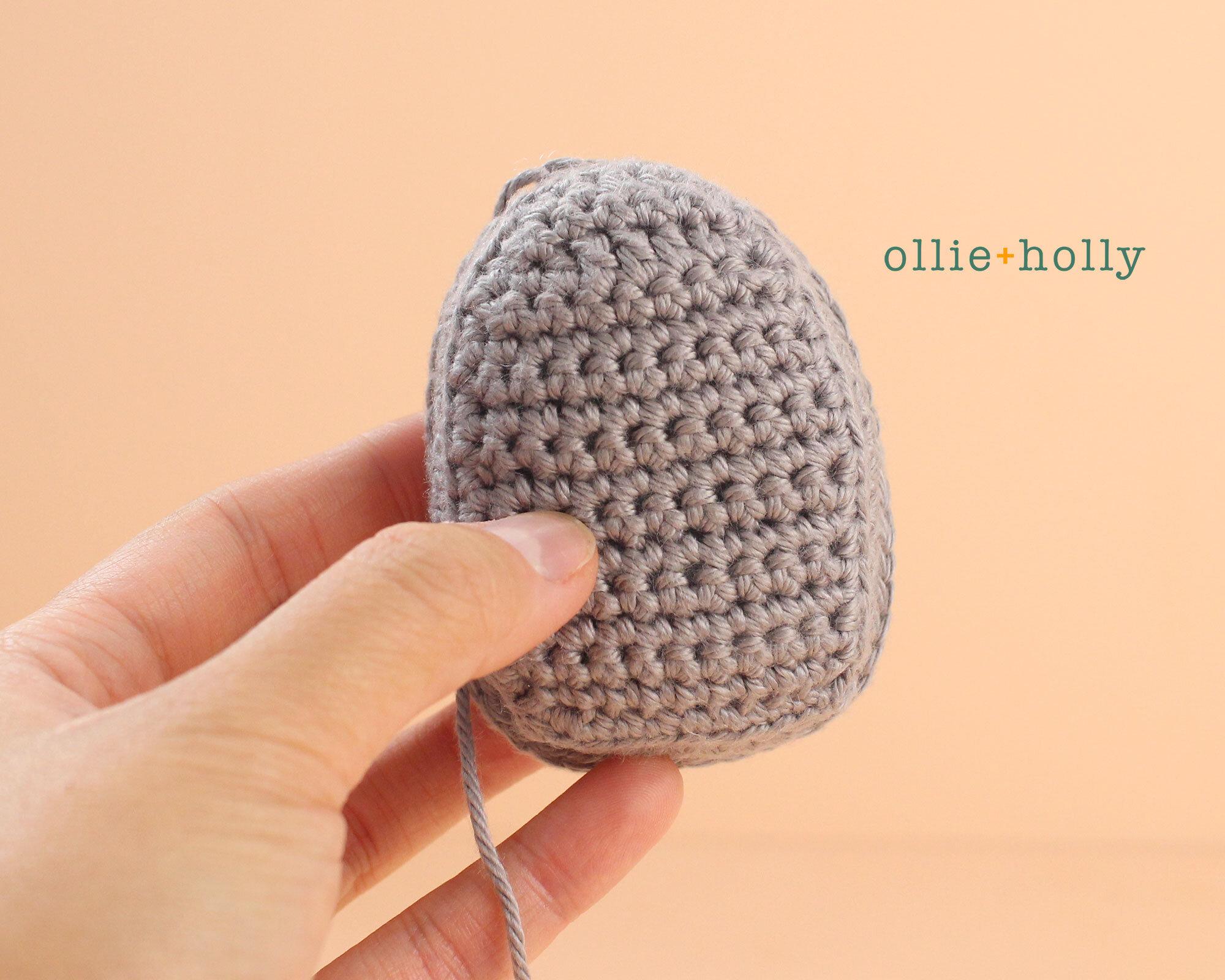 Free Halloween Tombstone Ornament Amigurumi Crochet Pattern Step 6