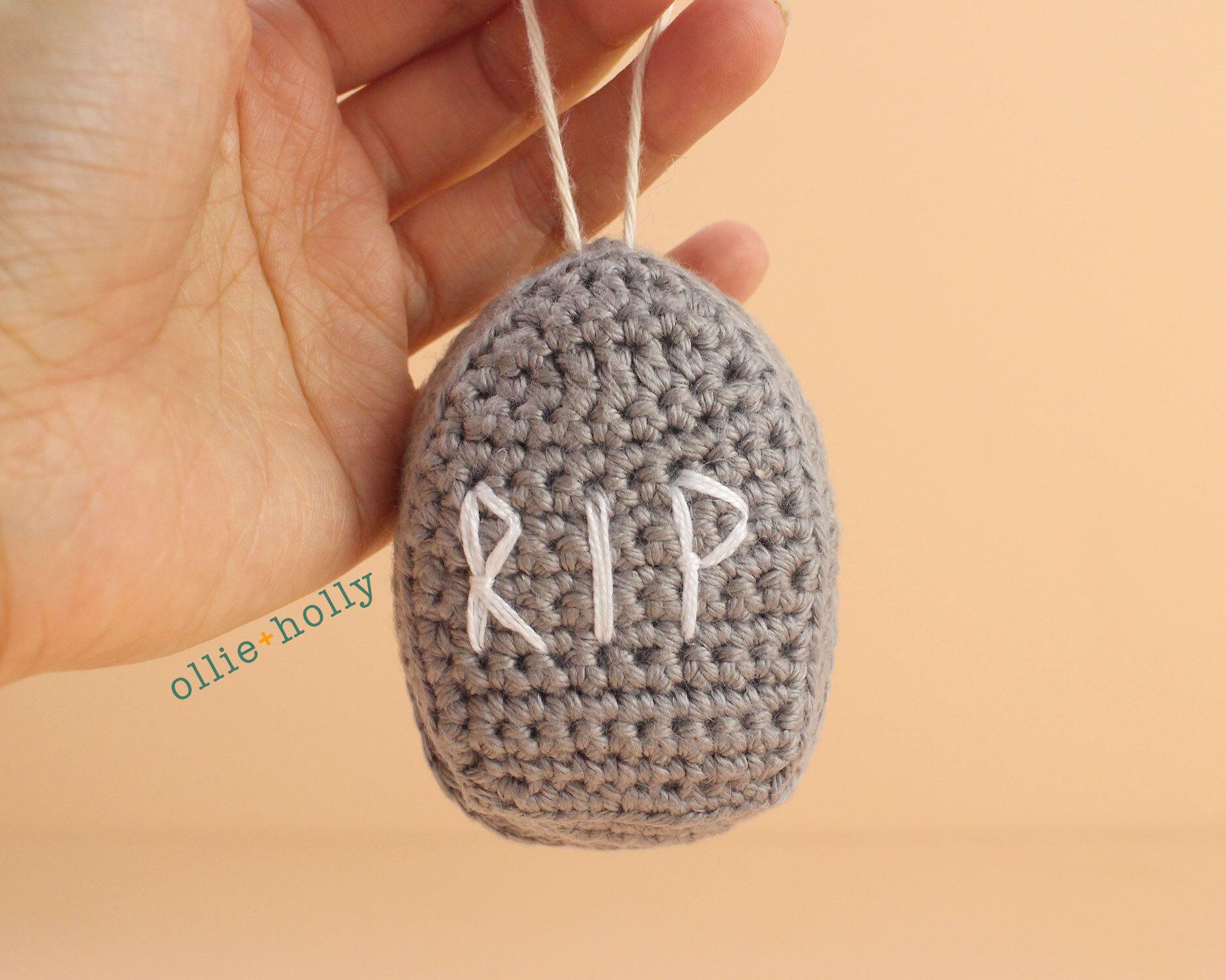 Free Halloween Tombstone Ornament Amigurumi Crochet Pattern Complete