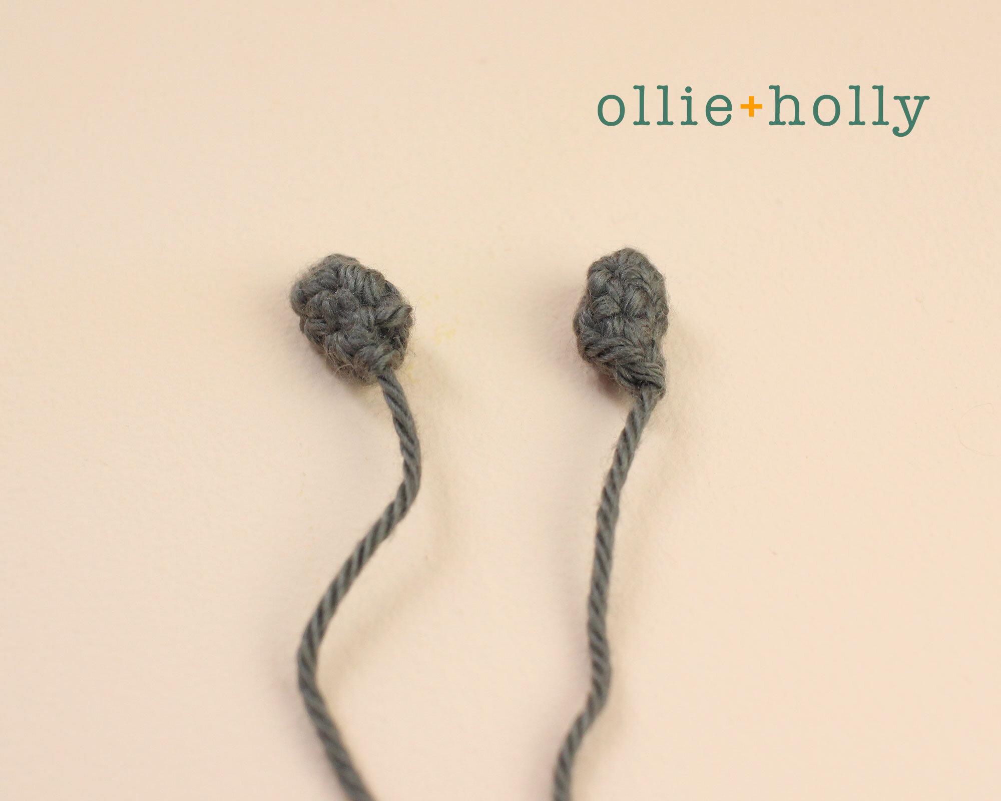 Free Halloween Bat Ornament Amigurumi Crochet Pattern Step 4