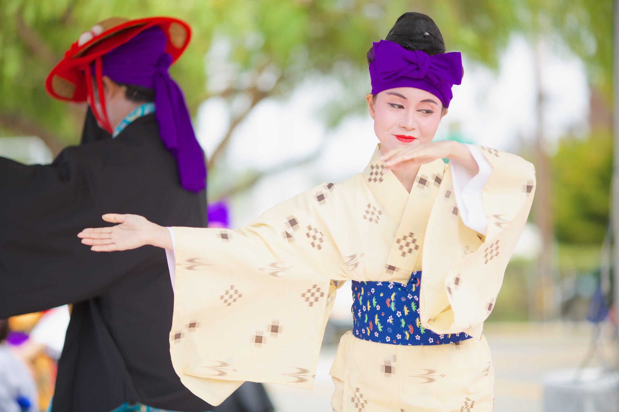 noriyoshi-and-yuka-arakaki---ohtori-no-kai---japanese-cultural-fair-of-santa-cruz-2015_19600985571_o.jpg
