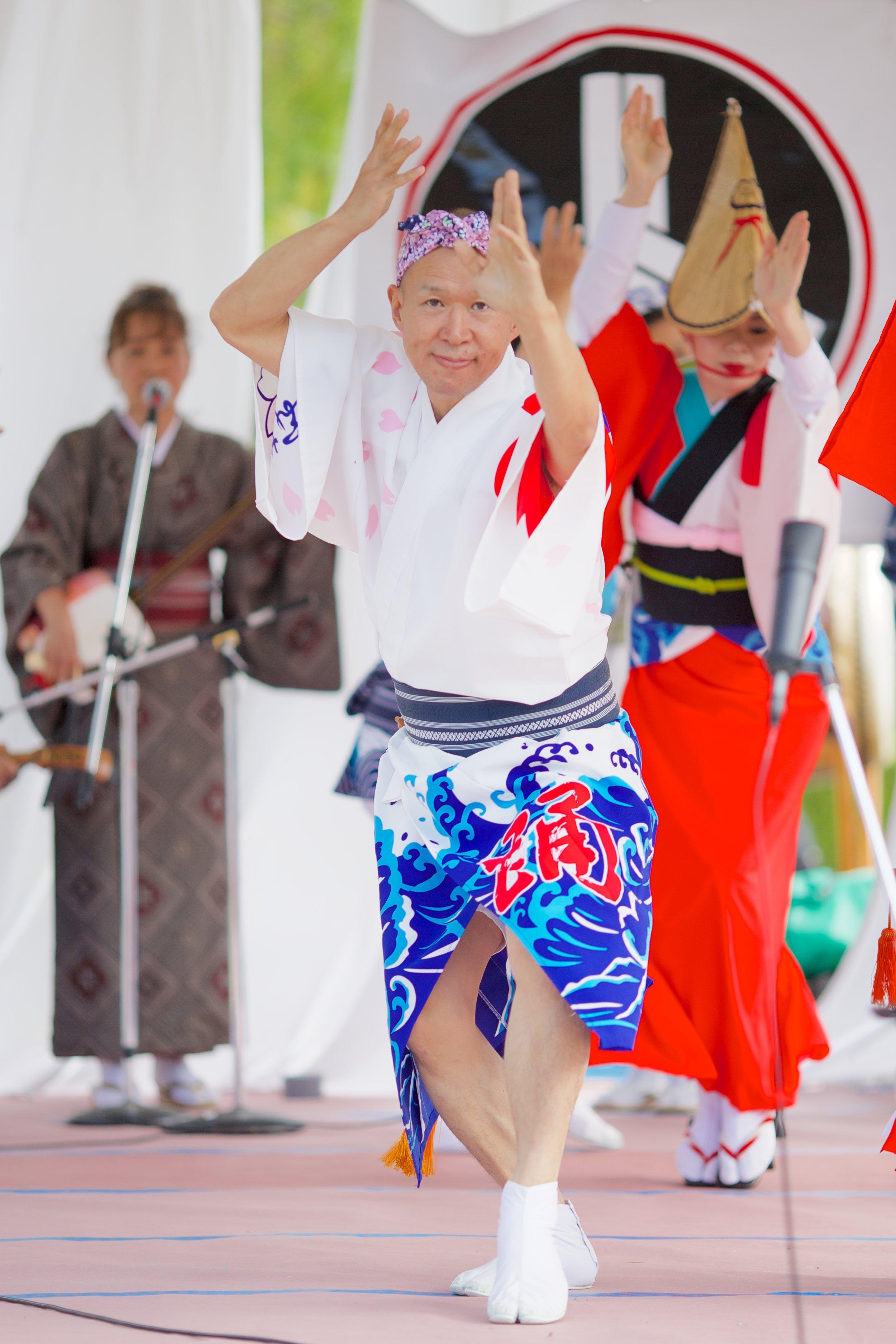 sakura-ren---japanese-cultural-fair-of-santa-cruz-2015_19570450556_o.jpg