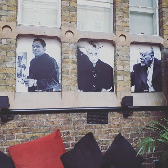 Zanna Creative's London home-from-home @octobergallery is looking pretty fine right now. Great artwork in the beautiful courtyard #creativeenterprise #artistsoninstagram #artist #creativeuk #zannacreative #culture #ukculture
