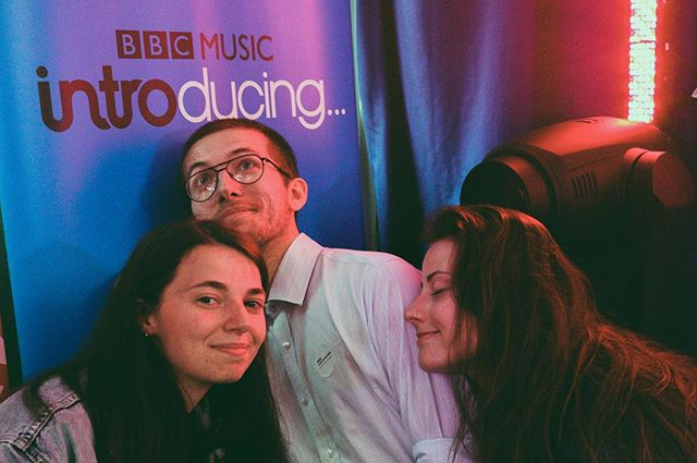 First time playing live on air, Thank you so much for having us @bbcintrolincs! We missed izzy hitting things behind us ❤️ @jak____ 📸 ( Thanks for snapping us x )