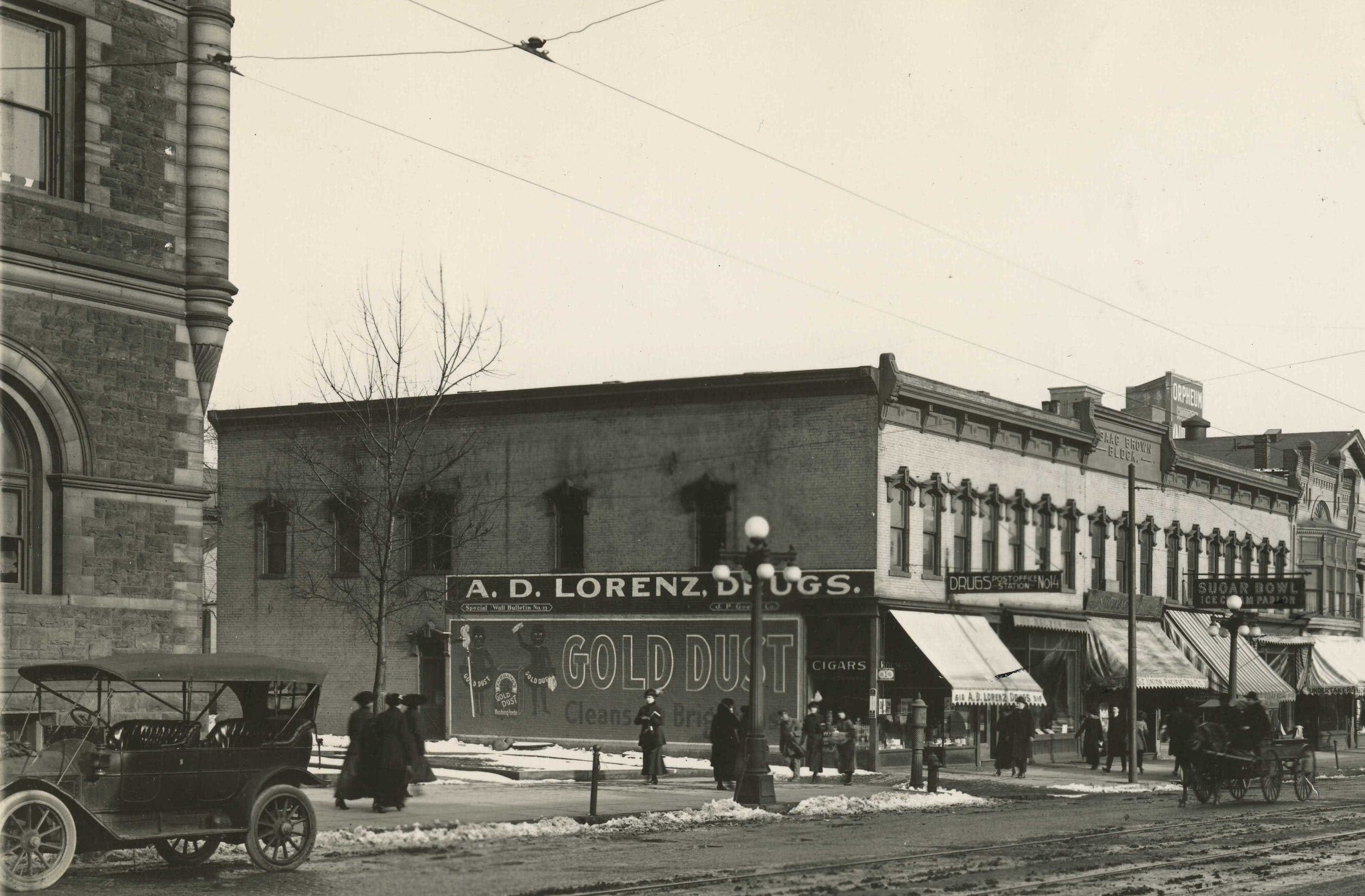 Photo: Peoria Public Library Archives