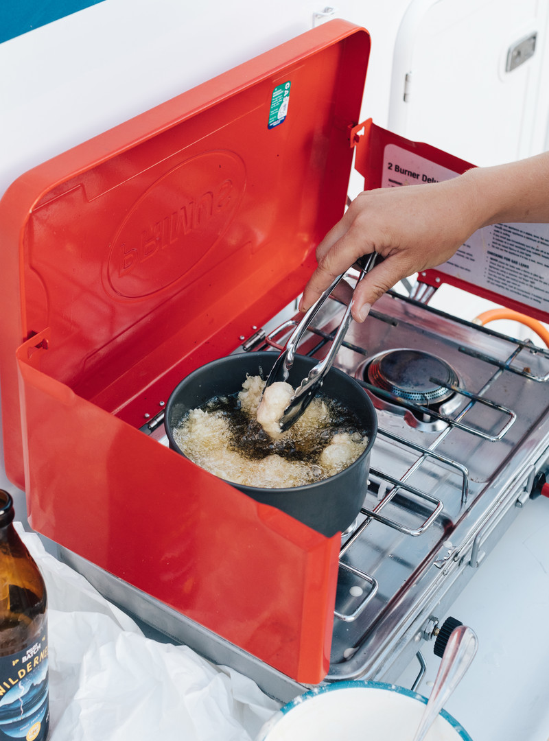 dfc3253f83e4588d1cef99b0de8aa80ae36d191e_recipe-food-old-bay-fried-scallop-salad-stove-burner-jayco-deep-frying.jpg