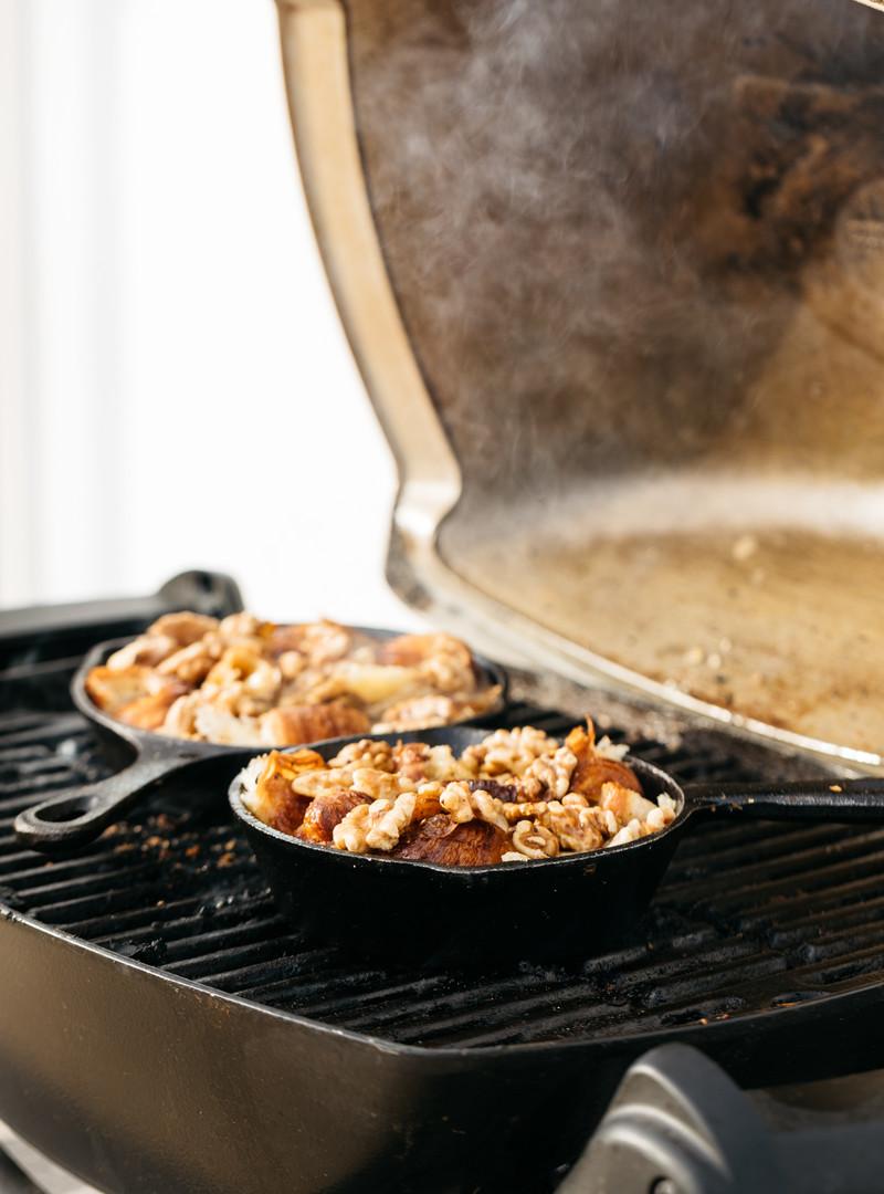 1e1134fa3f3fcd8a01397e0924dac4be42d7e391_recipe-food-caramelized-maple-pudding-maple-walnuts-cooking-stove-burner-jayco-skillet.jpg