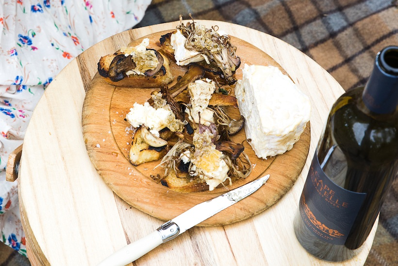 Shiitake Mushrooms with Thyme Oil and Charred Bread
