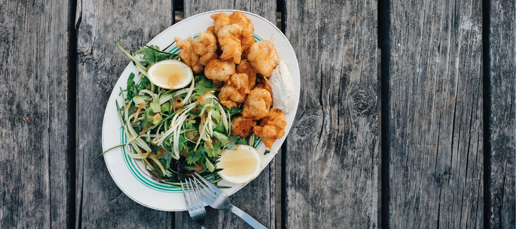 5753a20352c64da7edd8b8f5652e50b7c9912f99_recipe-food-old-bay-fried-scallop-salad-final-complete.jpg