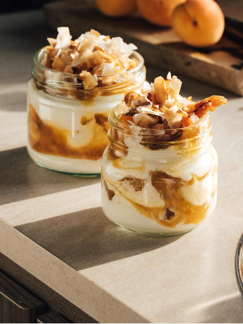 607dc6685e428d0e2026c9860668e03ef3b4c332_recipe-food-apricot-coconut-cream-whip-vanilla-final-complete.jpg