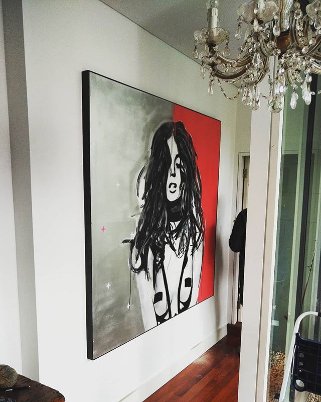 Very excited to see my Nicole Trunfio piece up in this stunning Sydney home 🙌🙌🙌 @nictrunfio  @delitescere  #artporn #artist #streetart #sydney #artbysaintali #artsy