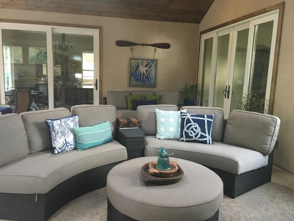 Sofa 2 (2).jpeg