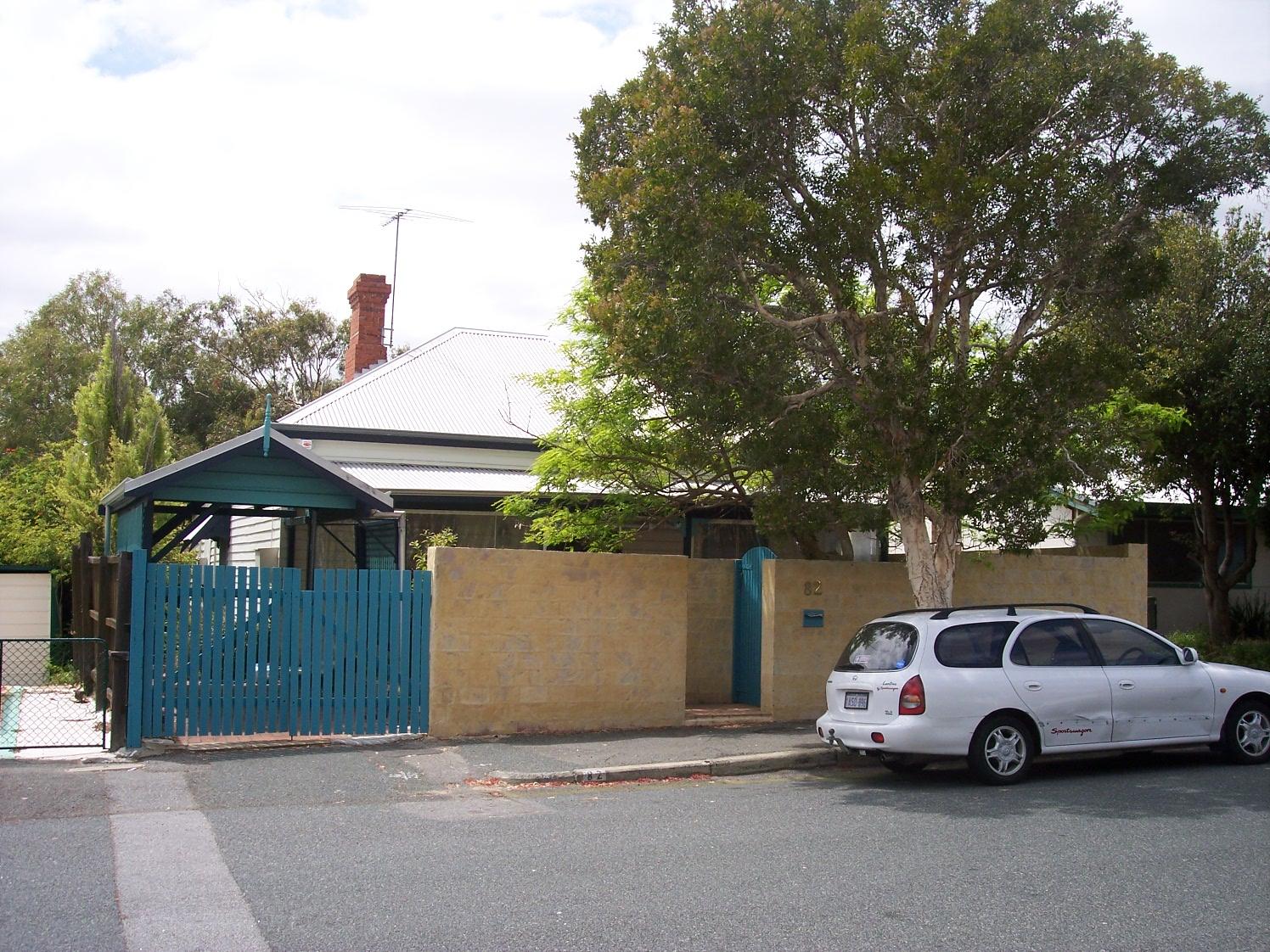 30-10-06 View ESE 82 Glyde Street.jpg