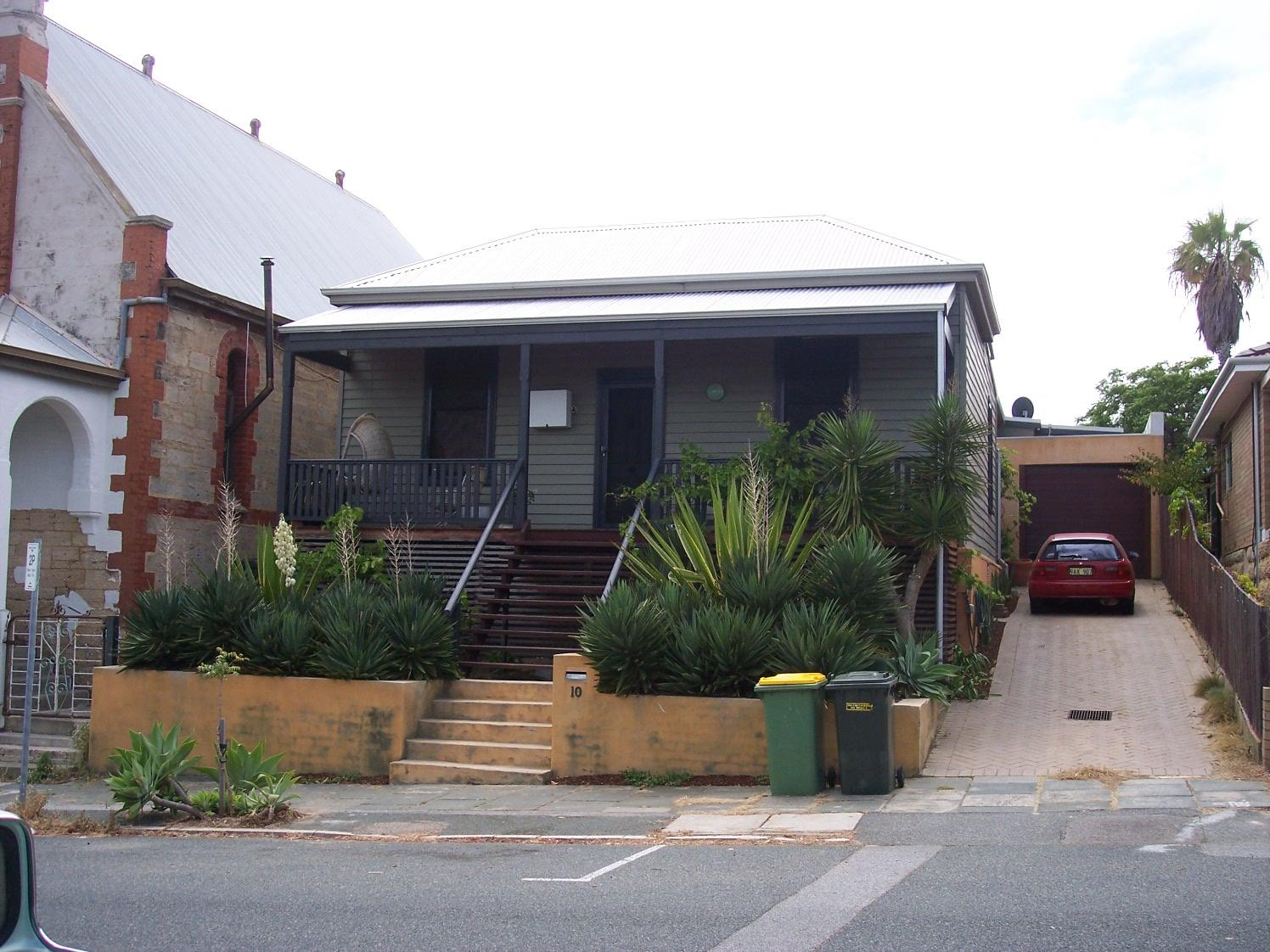 30-10-06 View E 10 Glyde Street.jpg