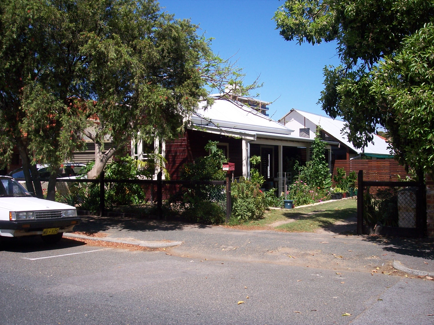 16-11-06 View WSW 31 Hubble Street.jpg