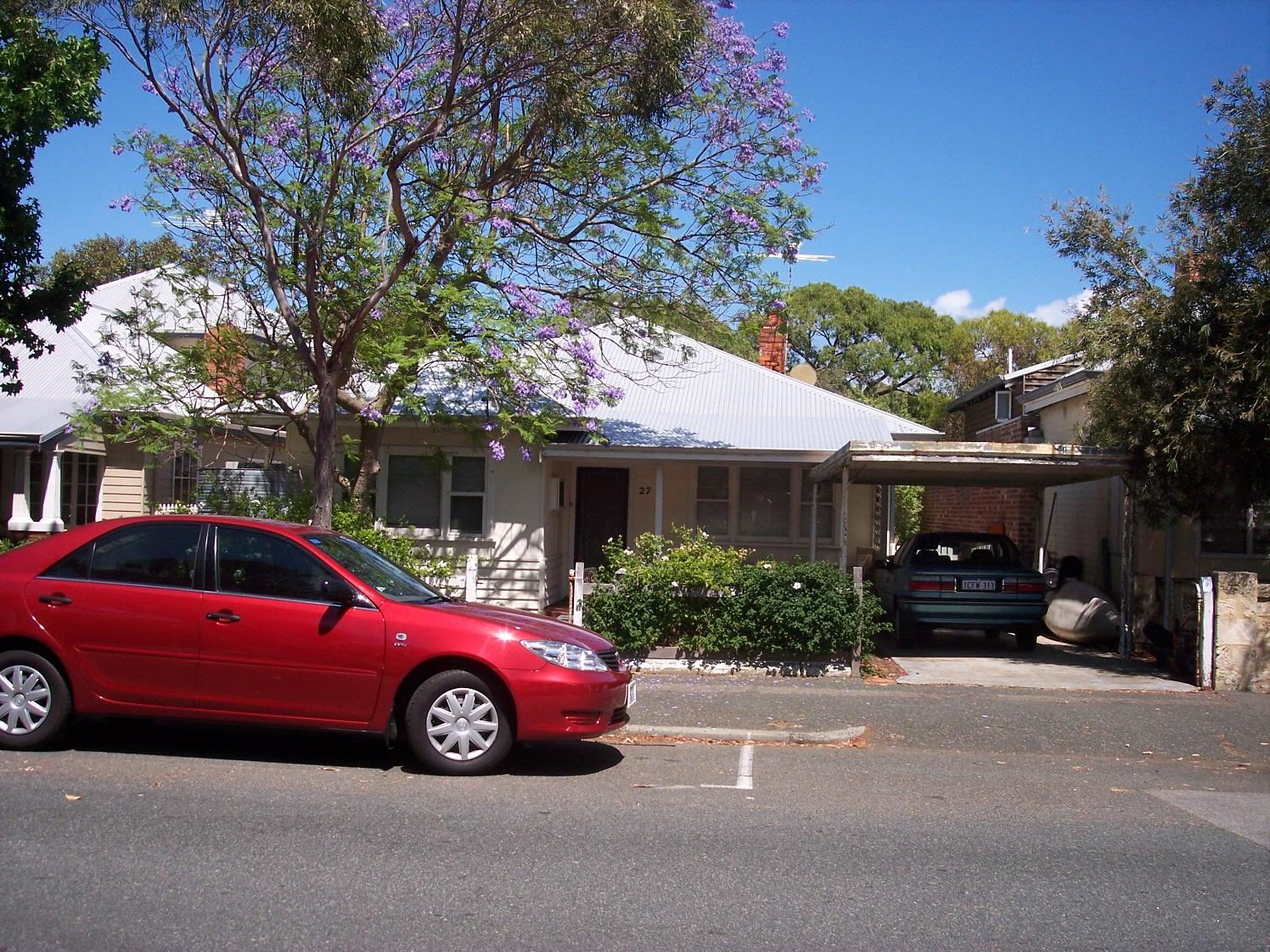 16-11-06 View W 27 Hubble Street.jpg