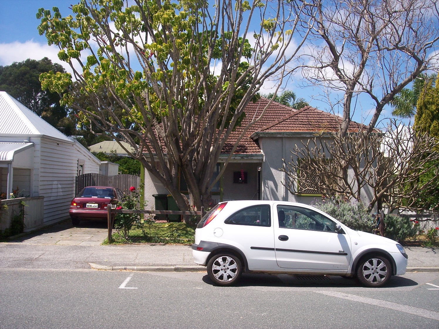 10-10-06 View E 38 Hubble Street.jpg
