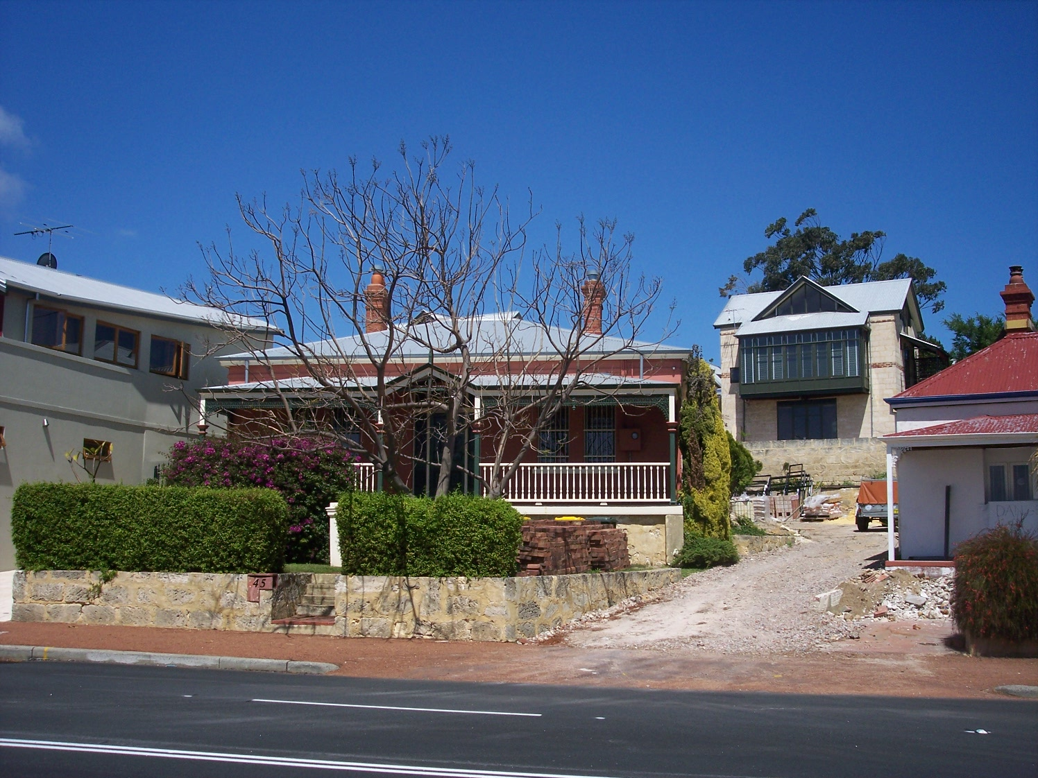 10-10-06 View S 45 Canning Highway.jpg