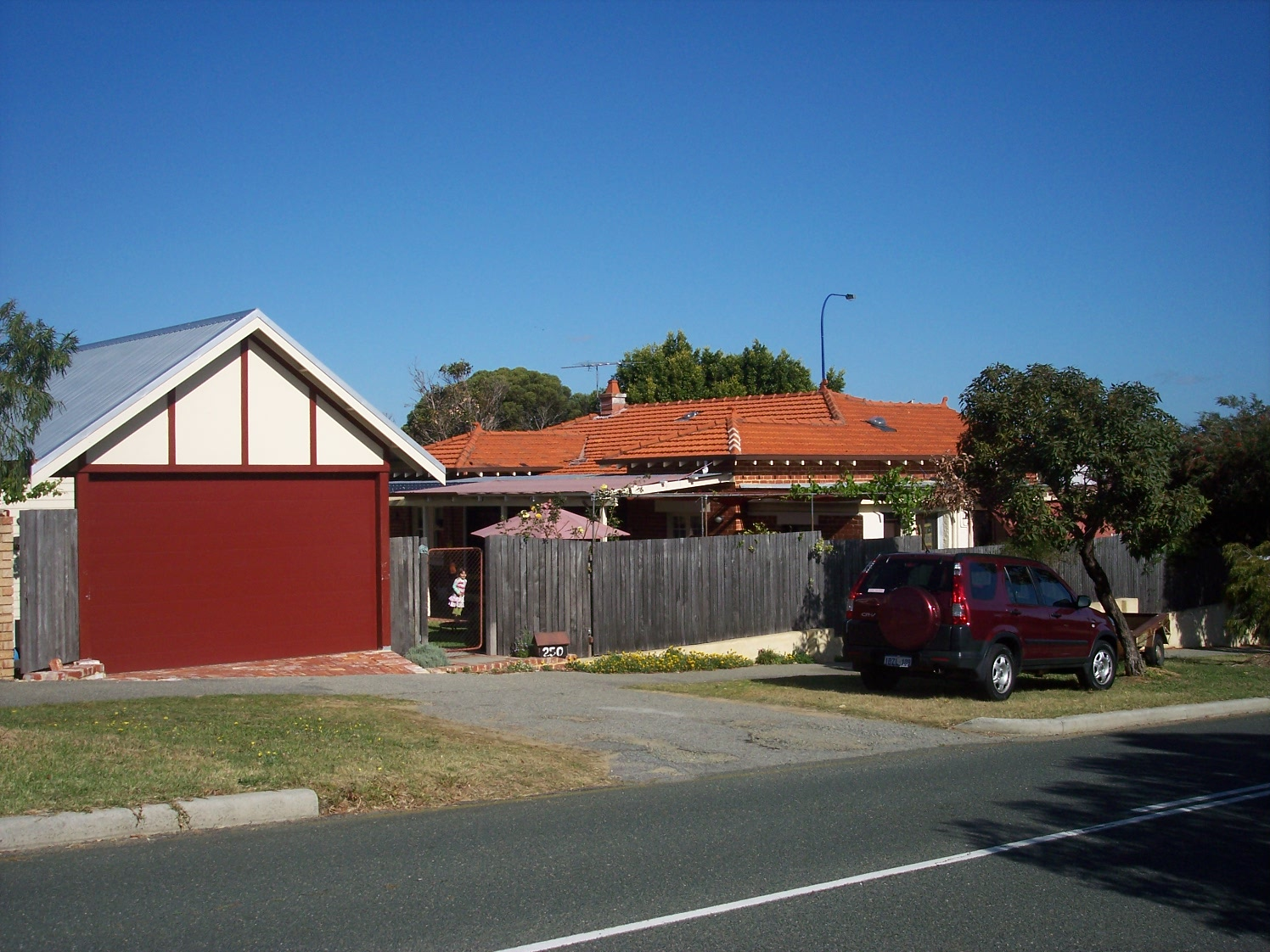 18-10-07 View SE 250 Canning Highway.jpg