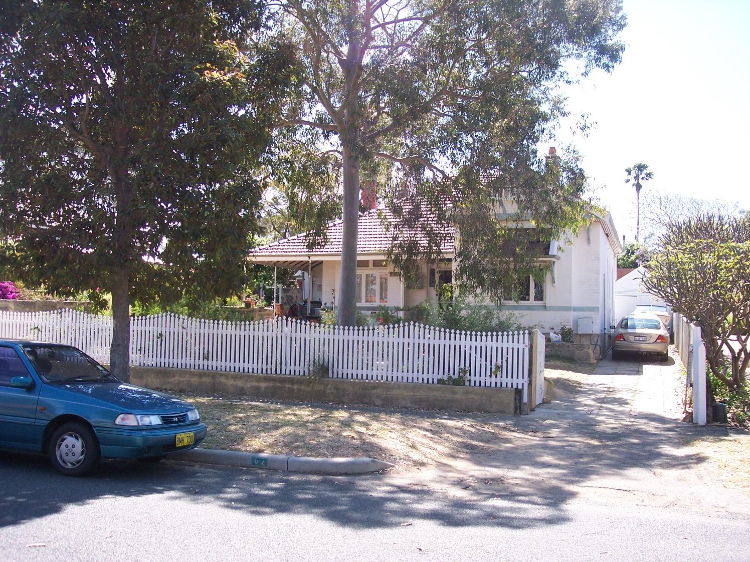 6-11-06 View E 62 Allen Street.jpg